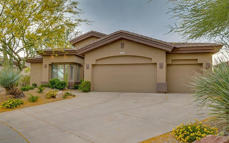 Drive way photo of home in Sunridge Canyon Fountain Hills Arizona 800x500